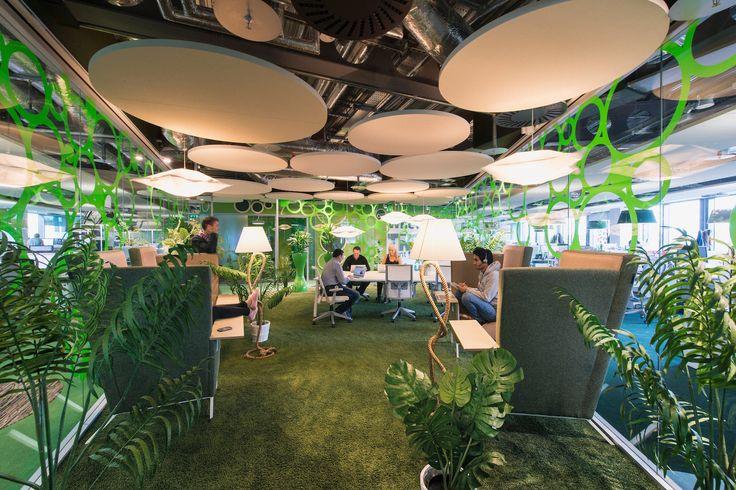 Google Campus Dublin | Google Docks - Informal Meeting Area - Floor Identity: Be Green #GoogleDublin, #Office, #WallGraphics