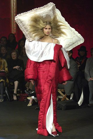 viktor and rolf: Work Clothing, Sleep Bags, Halloween Costumes, Beds Head, High Fashion, The Dresses, Beds Hair, My Style, Haute Couture