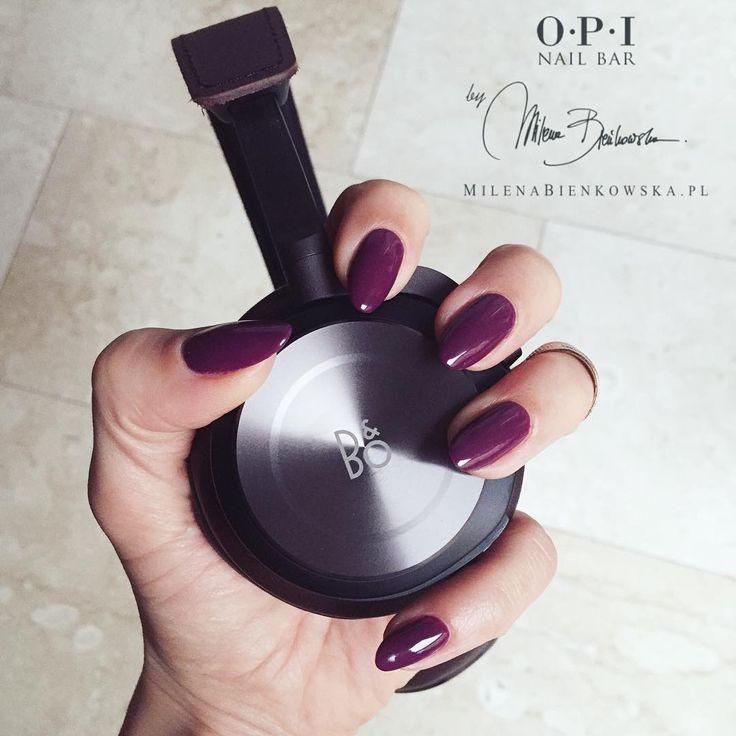 Doskonałe dłonie kobiety są jak zmysłowy szept meżczyzny, który pieszcząc ucho porusza jej ciało i umysł... #romanszmysłow #dotyk #słuch #milenabienkowskapl #powerwoman @opi_products @bangolufsen #bangolufsen #BeoPlayH8 #gelcolor #gcc15 #nailbarczestochowa #hot #nails #mani #manicure #fashionnails #love ❤️
