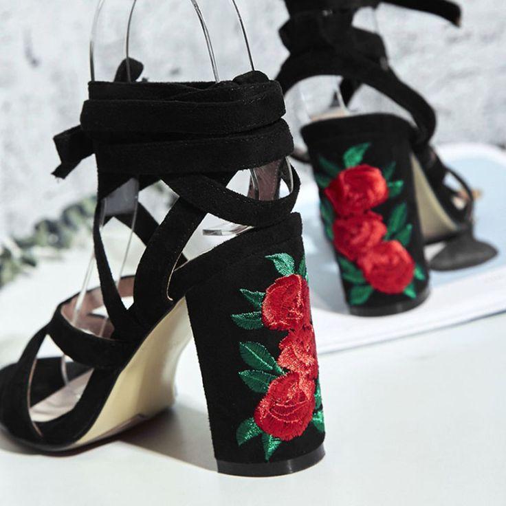 Купить товар2017 Весна узелок искусственные замши сандалии мода цветочные каблуки в категории Сандалиина AliExpress. 2017 Весна узелок искусственные замши сандалии мода цветочные каблуки