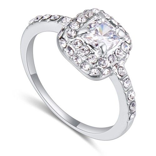 $7,5 Parisian elegance Swarovski crystal engagement ring Jewelry Wholesale. BEST PRICE: Directly in the jewelry factory. VAT-free shopping: Available, partners based in the European Union, only applies to EU tax identification number (UID). Exclusive design SWAROVSKI crystals and AAA Zircon crystal engagement rings, wedding & bridal rings, cocktail party rings.