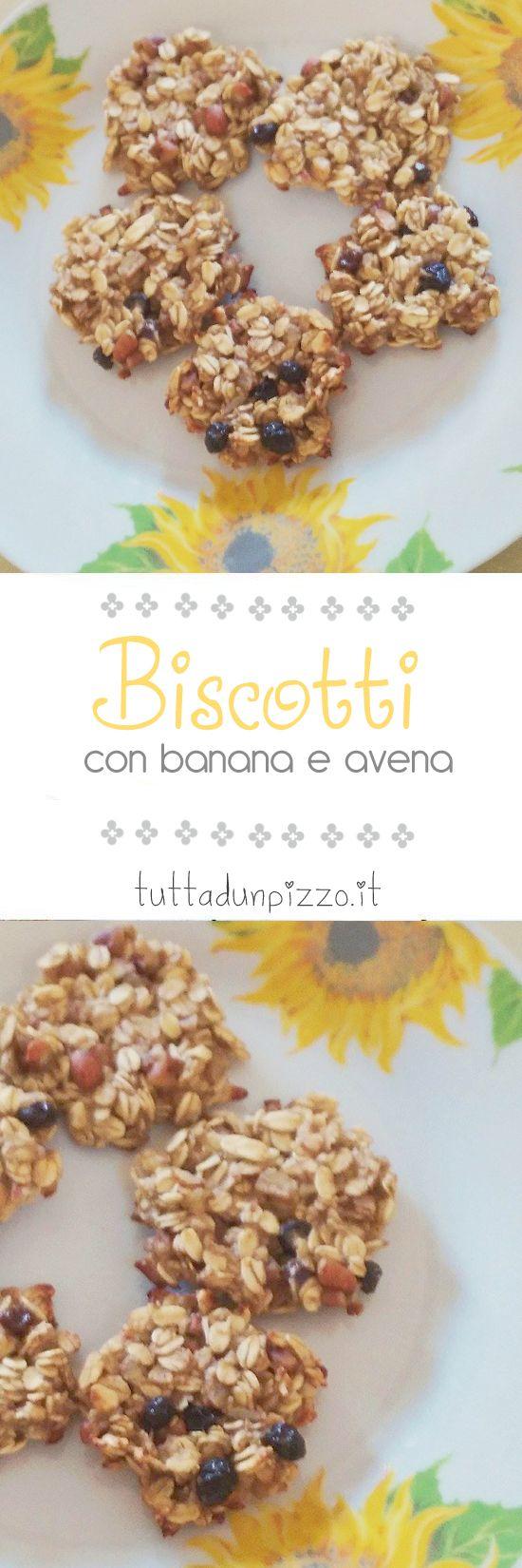 Una #ricetta perfetta per la vostra #colazione: i #biscotti con banana e fiocchi d'avena! Si preparano in cinque minuti e con soli tre ingredienti. In più, sono perfetti anche per i #vegani. Provateli, non ve ne pentirete!