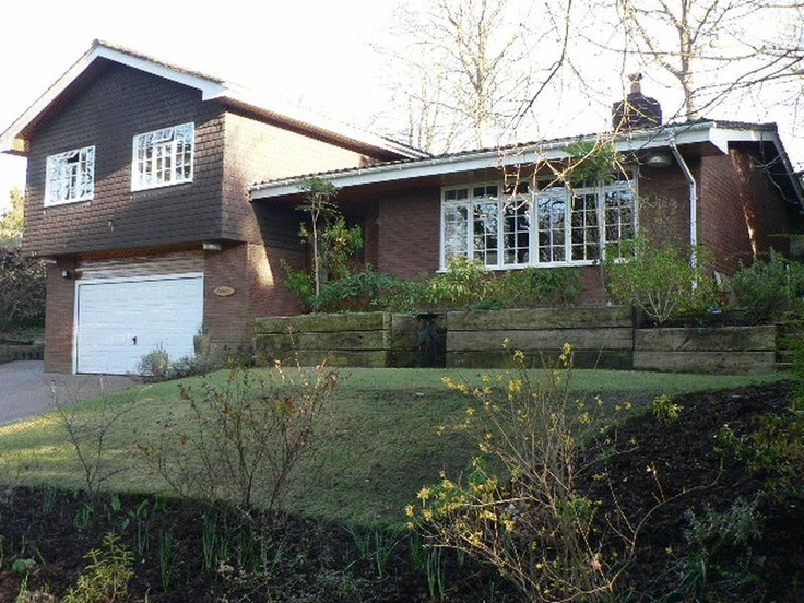 Price Range £600,000 - £630,000  5 Bedroom Detached House - Rock Lane, Farnham, Surrey, GU10 4SY Estate Agents