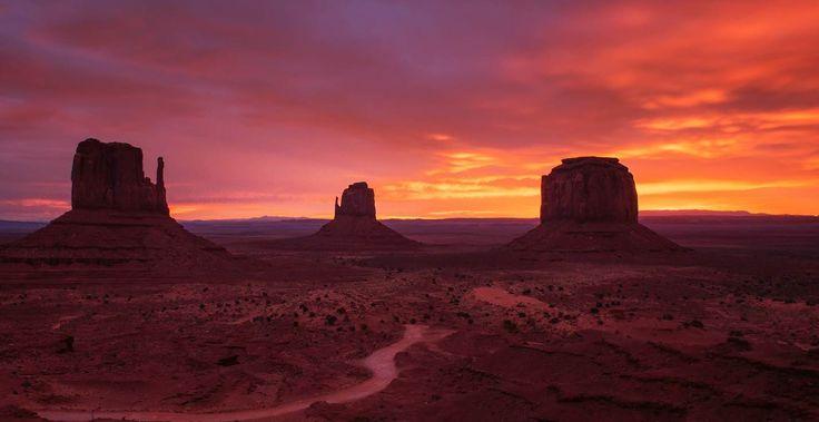 Sunset in Monument Valle, Arizona