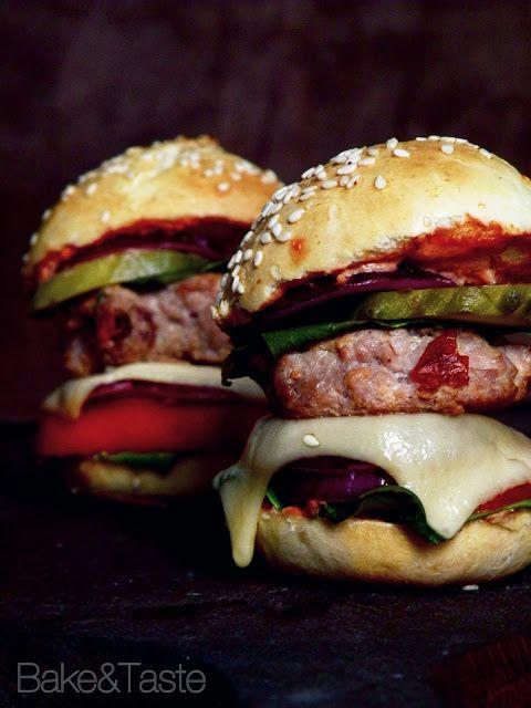 Bake&Taste: Domowe burgery - proste i szybkie w przygotowaniu