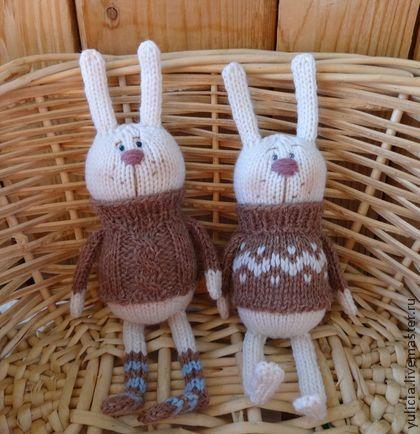 Вязанные зайки - зайка,заяц,вязанные игрушки,забавный сувенир,забавный зайка