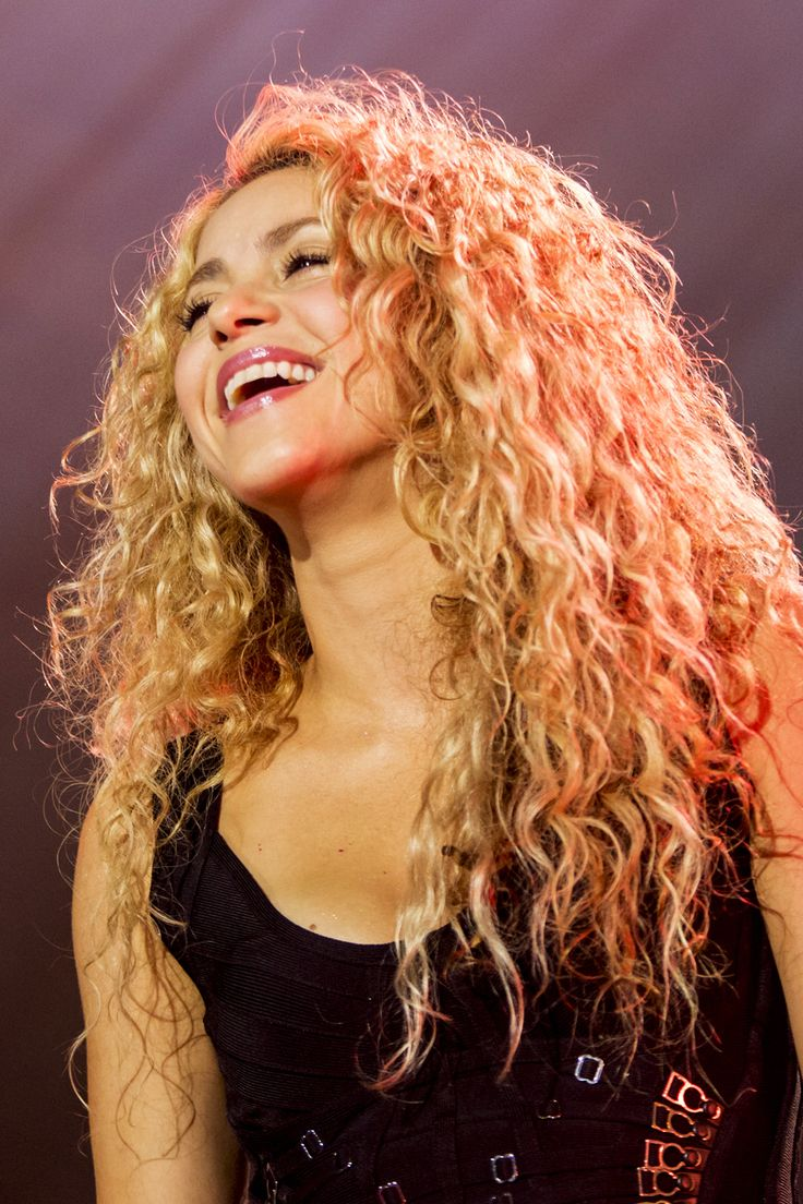 These curls don't lie   Shakira