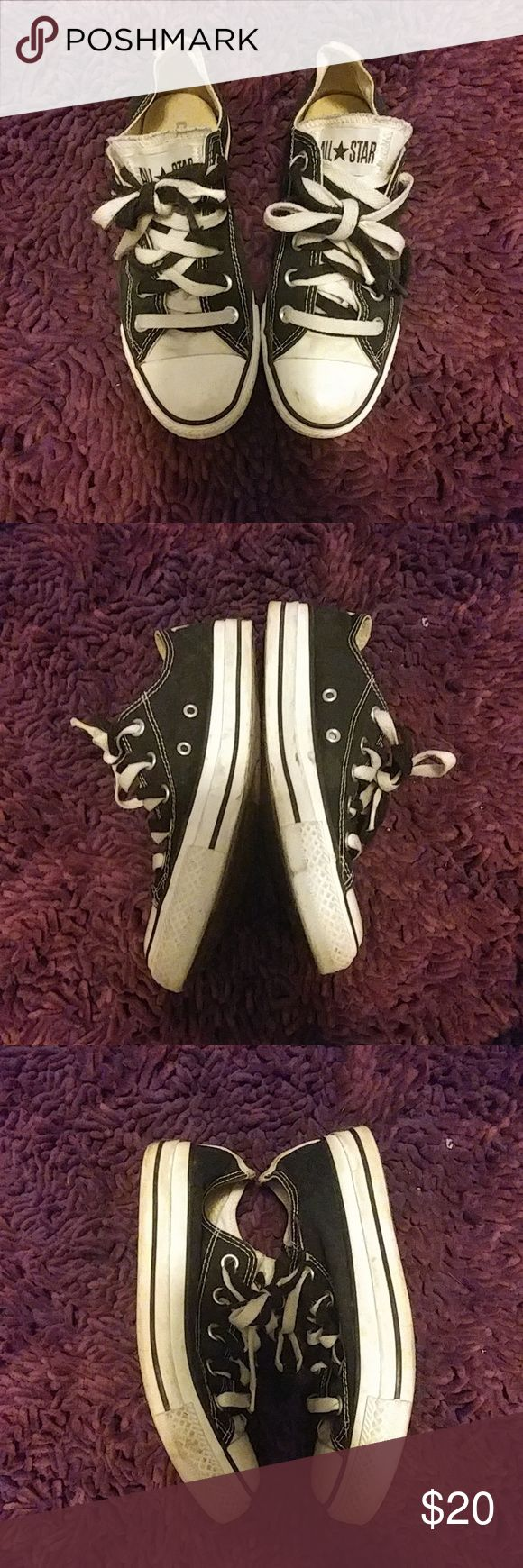 Converse shoes Classic black and white converse shoes Mens 4 Womens 6 Black and White laces. Not much wear, worn a few times Converse Shoes Sneakers