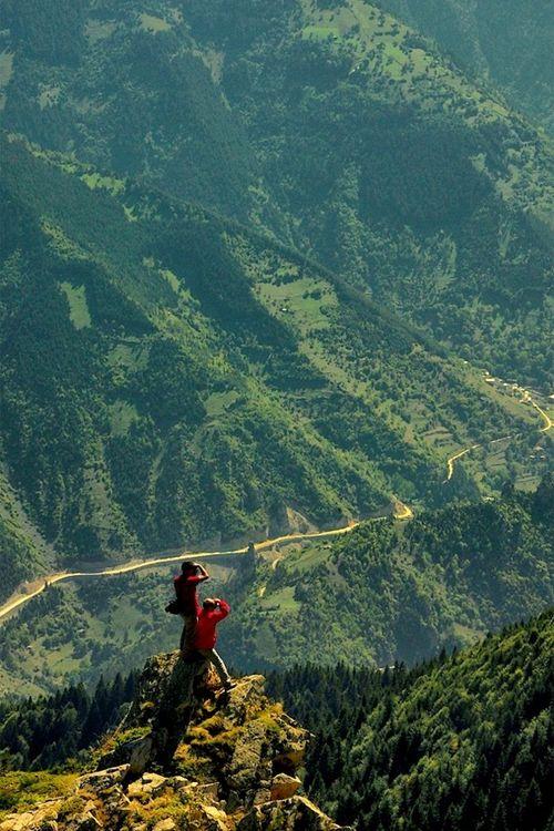 Trabzon ⛵ Eastern Blacksea Region of Turkey ⚓ Östliche Schwarzmeerregion der Türkei #karadeniz #doğukaradeniz #trabzon #طرابزون #ტრაპიზონი #travel #nature #ecotourism #mythological #colchis #thegoldenfleece #thecolchiandragon #amazonwarriors #tzaniti