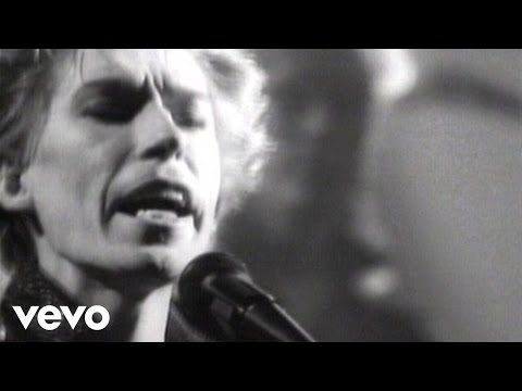 The Psychedelic Furs' official music video for 'Heartbreak Beat'. Click to listen to The Psychedelic Furs on Spotify:…
