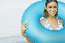 Urlaub auf Sizilien - Last-Minute-Urlaub: Italien, Spanien, Griechenland - Mein Profil: Ich bin keine 18 mehr, möchte einsame Felsbuchten entdecken, wie eine Nixe stundenlang ins Wasser eintauchen. Ich liebe Urlaub am Meer und will schön braun werden...