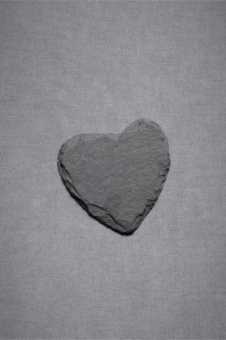 Gray | Grey | Gris | グレー | Grigio | серый | Gurē | Colour | Texture | Pattern | Style | Design | Composition | Heart