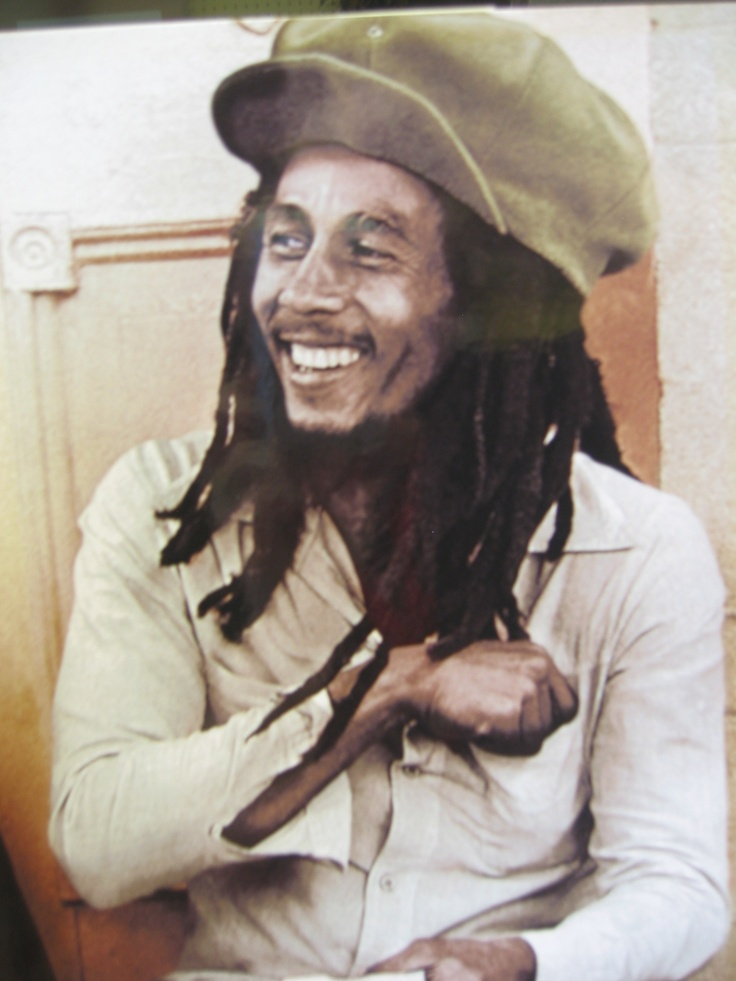 This item is perfect for the upcoming Bob Marley movie coming out! The current ReUstore auction includes two framed Bob Marley pictures perfect for fans or collectors.  One appears to be a black and white poster and the other appears to be a colour photo.  Visit The ReUstore Saturday, April 28th at 12pm when bidding goes live and the auction closes.
