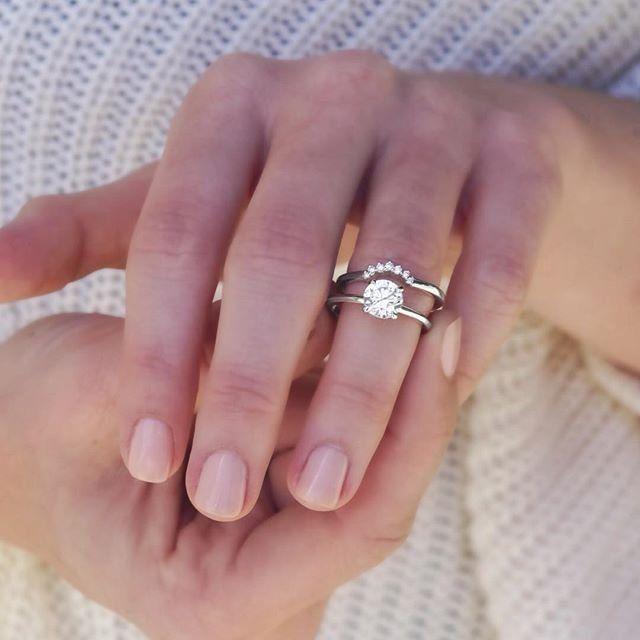 18k White Gold Crescent Diamond Ring Titanium Wedding Rings