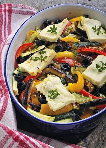 Warzywa zapiekane z fetą - Przepis - Onet Gotowanie