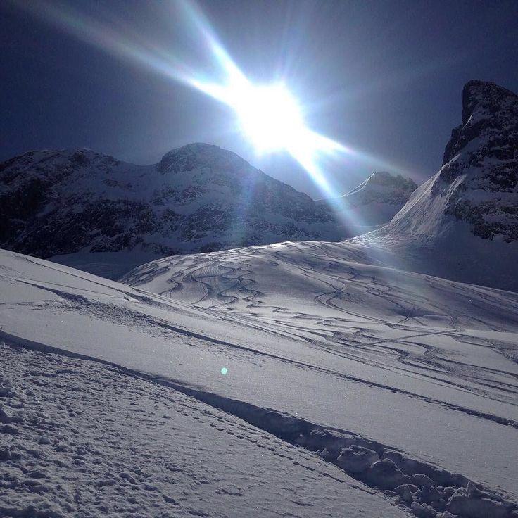 [#InstaRMB]  on espère que vous avez passé un aussi bon dimanche que nous ! Oui oui on y est retourné !!! #radiomontblanc #winteriscoming #hautesavoiexperience #savoiemontblanc #yaute #chamonix