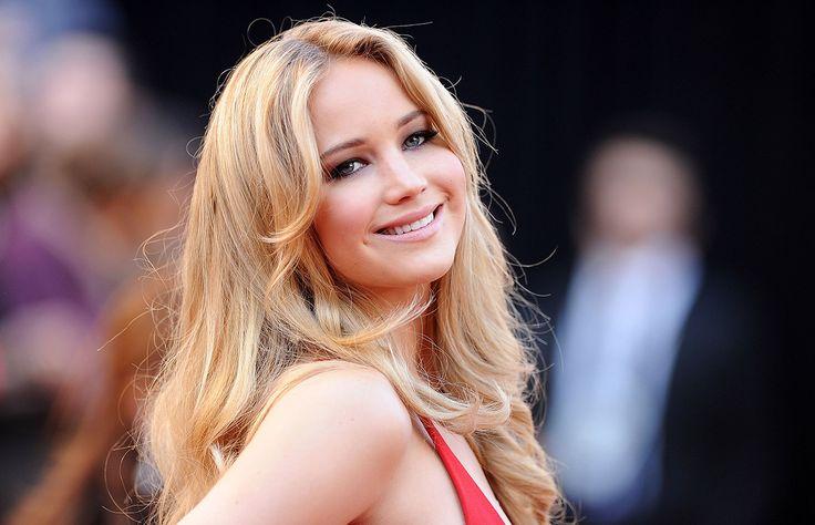 Un día antes de su cumpleaños número 24, repasamos el estilo de Jennifer Lawrence, quien se ha destacado por sus looks sofisticados, minimalistas y siempre favorecedores.