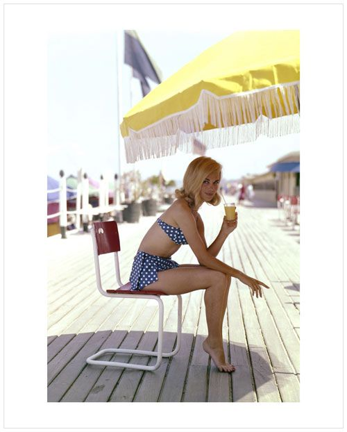 Cutie! The Bikini Girl on the Boardwalk, pour Jour de France, Deauville  Georges Dambier  1959