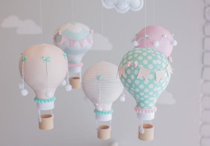 Idee decoration chambre enfants bebe montgolfiere mobile fait maison main diy - Decoration fait main ...