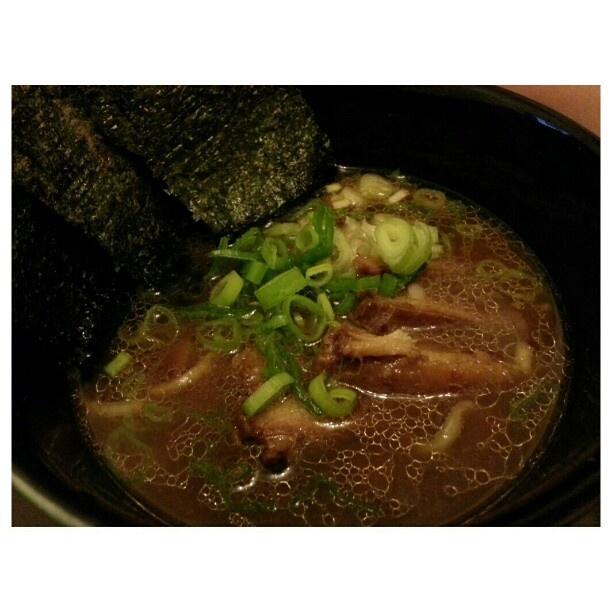 昨夜腹減って食べた。 #夜食 #横浜 #家系 #ラーメン #吉村家 #yokohama #ramen #midnight #snack before #bedtime #japanese #food #noodle #philippines #フィリピン