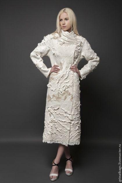 Пальто - белый,абстрактный,пальто женское,пальто из шерсти,ручная авторская работа