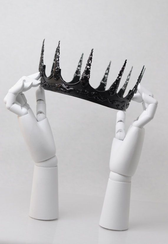 Hey, I found this really awesome Etsy listing at https://www.etsy.com/listing/222804535/evil-queen-dragon-slayer-crown