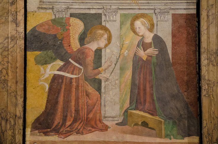 """В Пантеоне находится прекрасное """"Благовещение"""" Мелоццо да Форли."""
