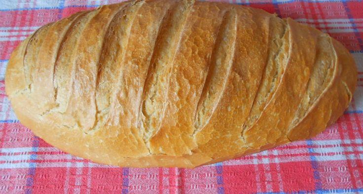 Kovászos házi kenyér recept - A kovászhoz      15 dkg búzaliszt (BL55)     1 csapott mokkáskanál kristálycukor     1 dl víz     0.5 dkg élesztő (friss)  A tésztához      50 dkg búzaliszt (BL55)     2 púpozott teáskanál só - jódozott, finomított     2 dkg élesztő (friss)     3 dl víz