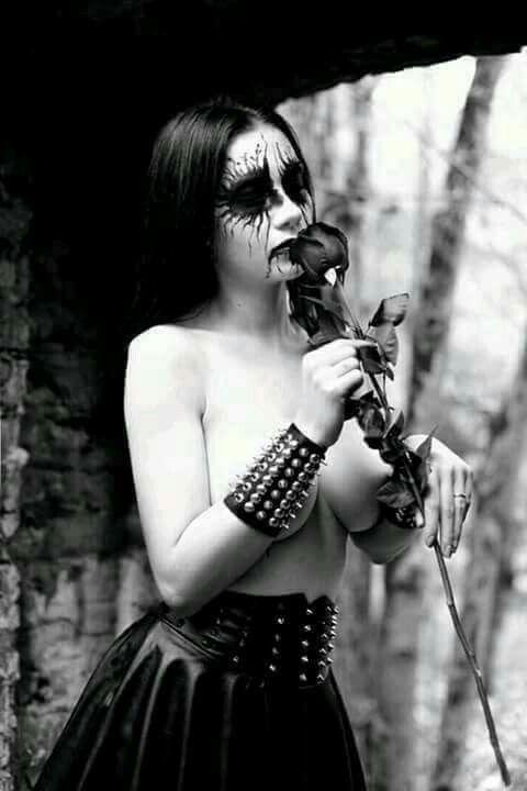 tits-women-metal-girl-naked-cosplay-porn-women