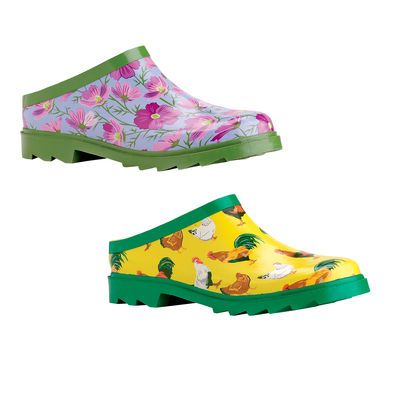 Gardener's Clogs: love the chickens! Need to get some of these for working in the coop.Gardens Ideas, Coops Clogs, Chicken Coops, Buy, Rubber Clogs, Gardens Clogsoh, Gardener'S Supplies, Chicken Clogs, Gardener'S Clogs