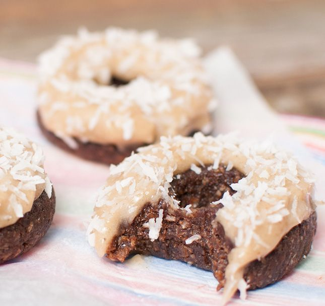 These chocolate coconut donuts are vegan and completely raw.