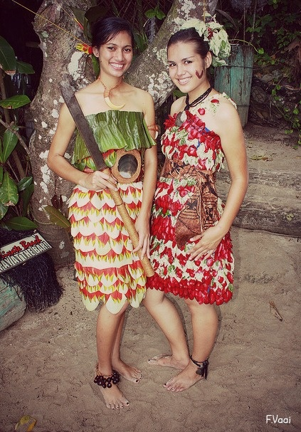 south-pacific-island-girls-looking