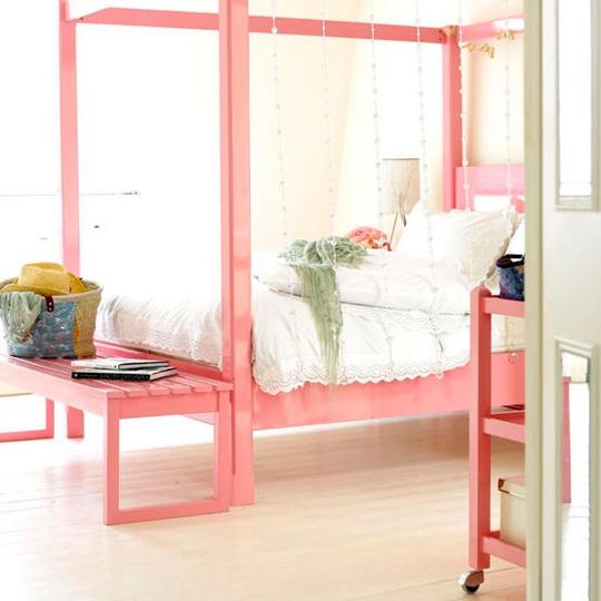 26 Dreamy Feminine Bedroom Interiors Full Of Romance and Softness
