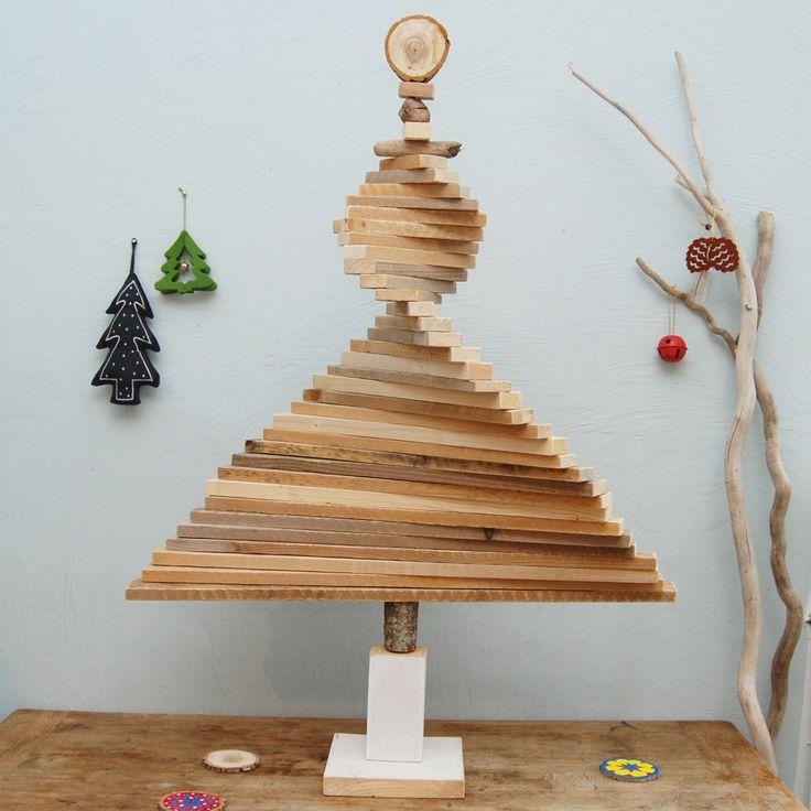 sapin en tasseaux de bois d ploy en tourbillon sapins en bois flott colo intemporel. Black Bedroom Furniture Sets. Home Design Ideas
