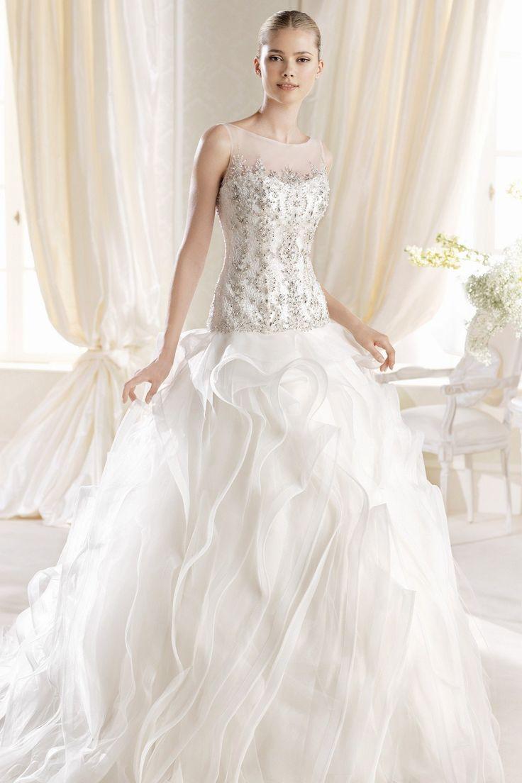 Elegant LaSposa Imber Purchase the sample at off retail Call Dior bridal