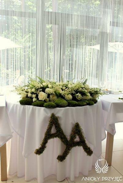3. Irish theme Wedding,Head Table decor,Moss / Irlandzkie wesele,Dekoracja stołu Pary Młodej,Mech,Anioły Przyjęć