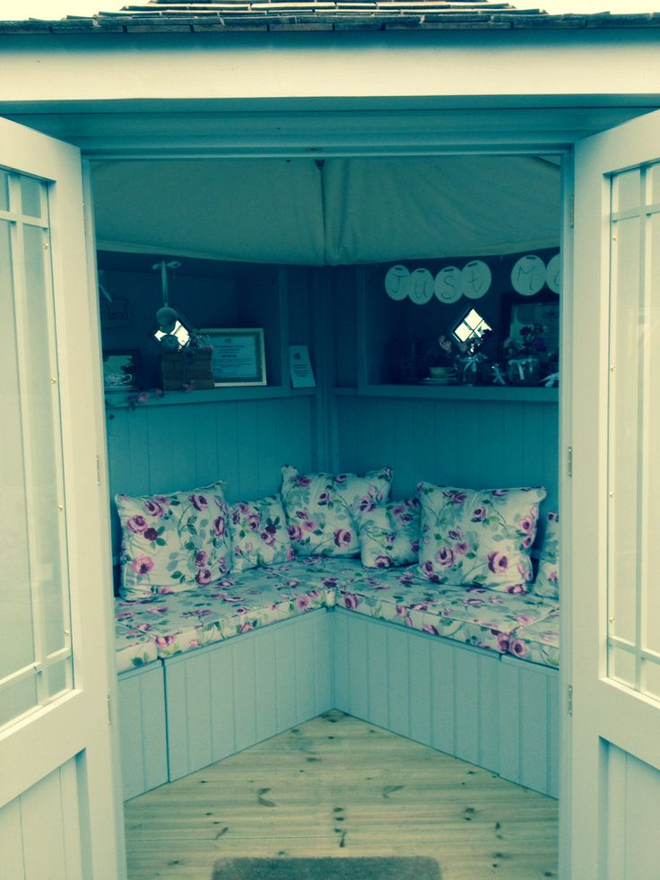 National trust summerhouse interior garden sheds for Garden studio interiors
