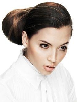 hairstyles to enhance or hide widows peak
