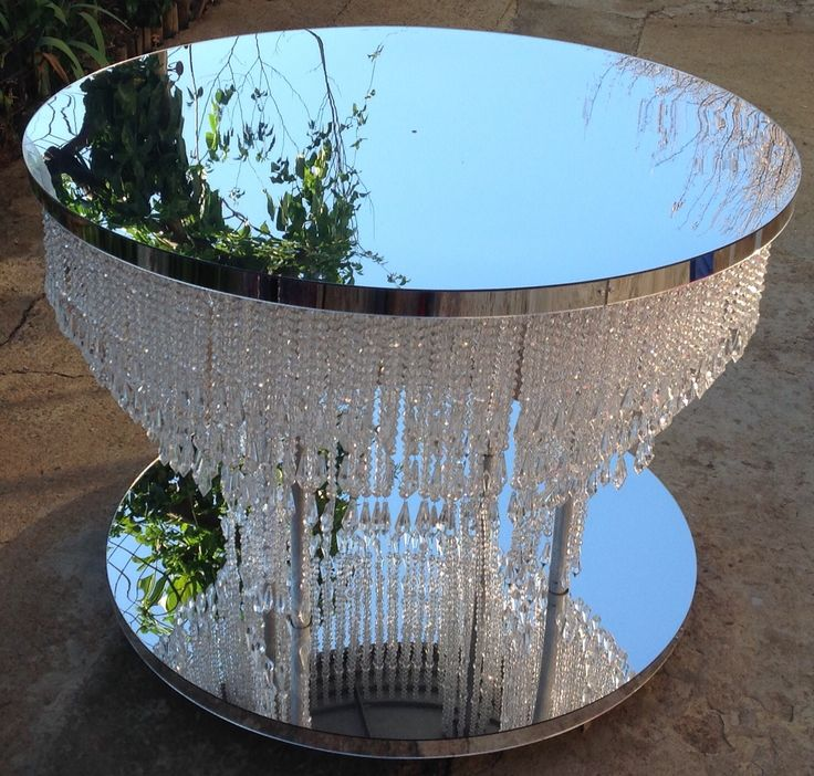 Mirror crystal table. For wedding cakes.