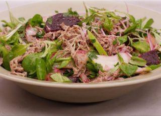 Koude salade van soepvlees, rode biet en aardappelen (recept Jeroen Meus)