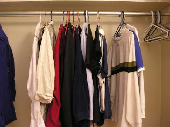 How to pack your clothes for moving!