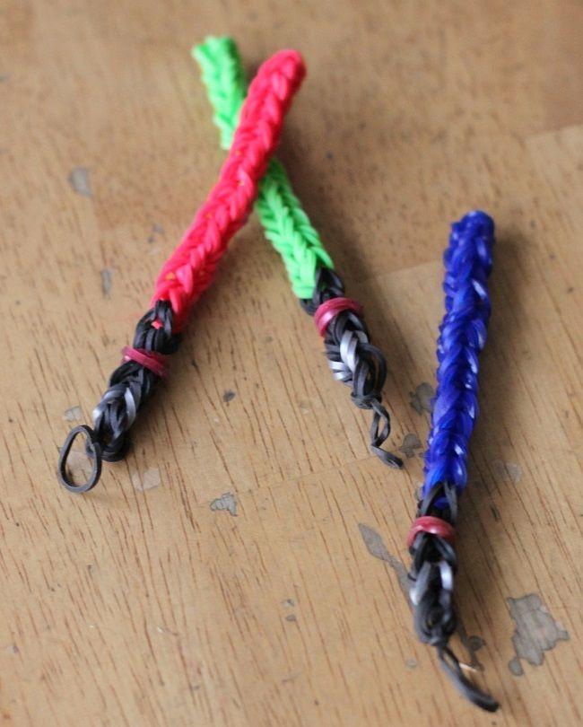 5 {FUN} Rainbow Loom Charms