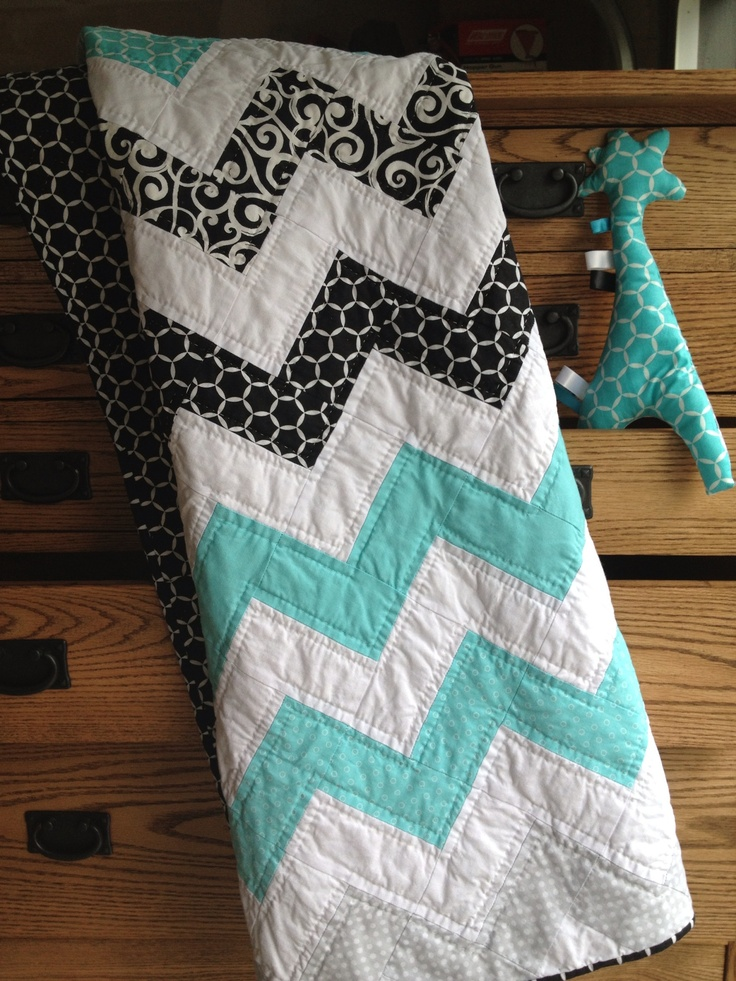 Cheveron baby quilt. Soo pretty! Totally my colors!