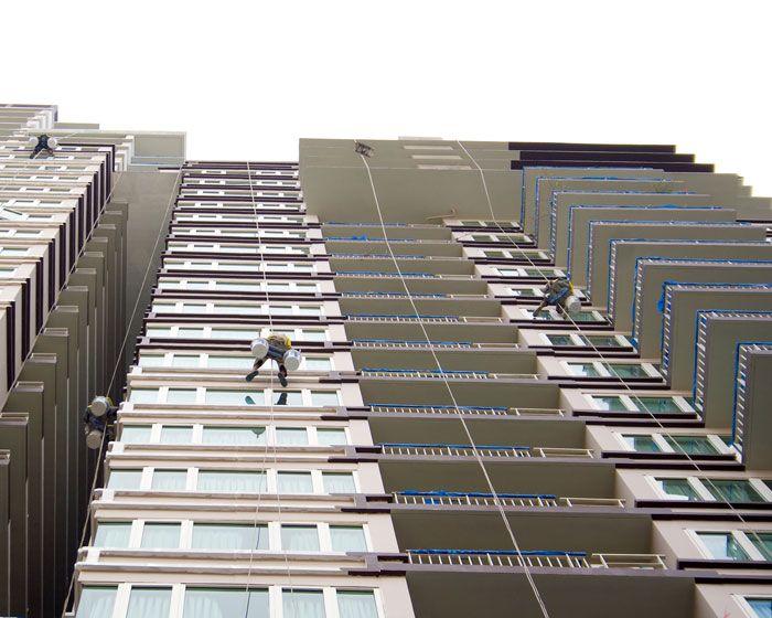 Rappelling building in Brisbane http://maloufdental.com.au/