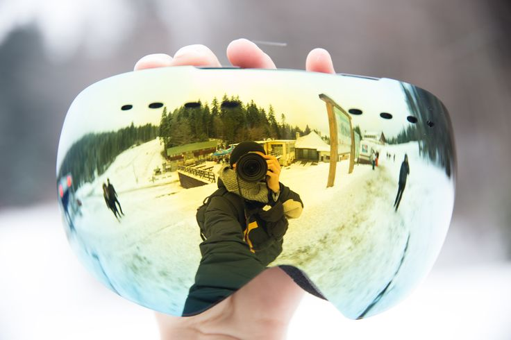 Just got your Cozia Design Ski Goggles? Check out our list of tips and tricks on keeping the lens clean and the goggles looking as good as new for longer.