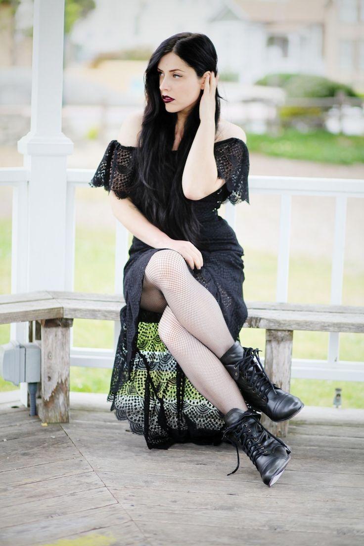 Co ubrać, by wyglądać, jak romantyczna gotka http://womanmax.pl/ubrac-by-wygladac-romantyczna-gotka/