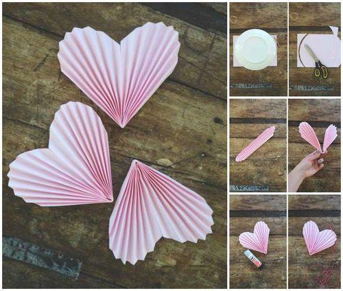 How to DIY Folded Heart Garland / www.FabArtDIY.com