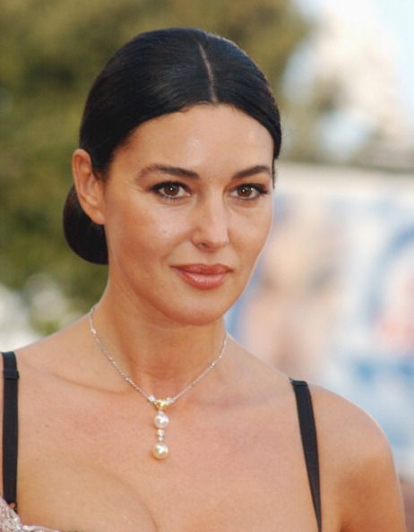 17 migliori immagini su monica bellucci su pinterest attrici umbria italia e monica bellucci. Black Bedroom Furniture Sets. Home Design Ideas