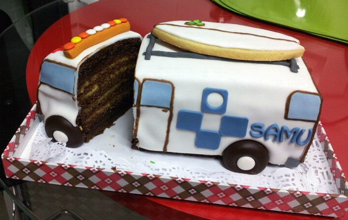 ¡¡ Me tienes tarta !!: Una ambulancia muy sabrosa
