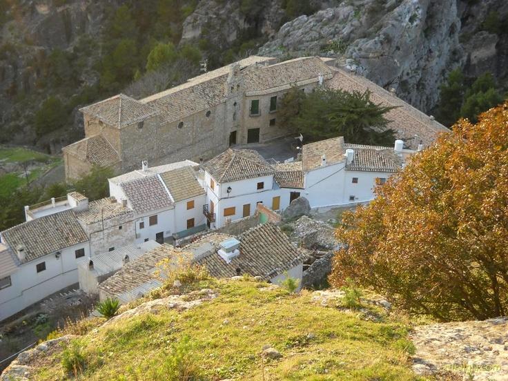 Quesada - El Balcón de Cazorla - La Casa Rural El Balcón de Cazorla, se encuentra en la pintoresca y acogedora aldea de Belerda, en el Parque Natural de las Sierras de Cazorla, Segura y las Villas y al abrigo de un impresionante cort...